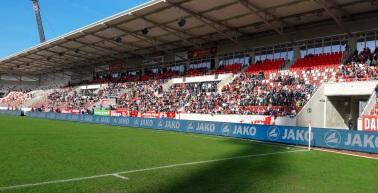 Umgang mit den Inhabern einer Westtribünen-Dauerkarte zum Heimspiel gegen Jahn Regensburg
