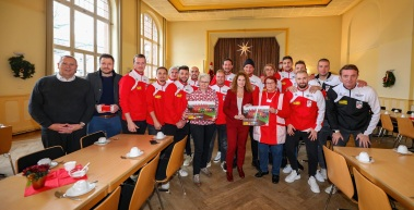 FC Rot-Weiß Erfurt zu Besuch beim Restaurant des Herzens